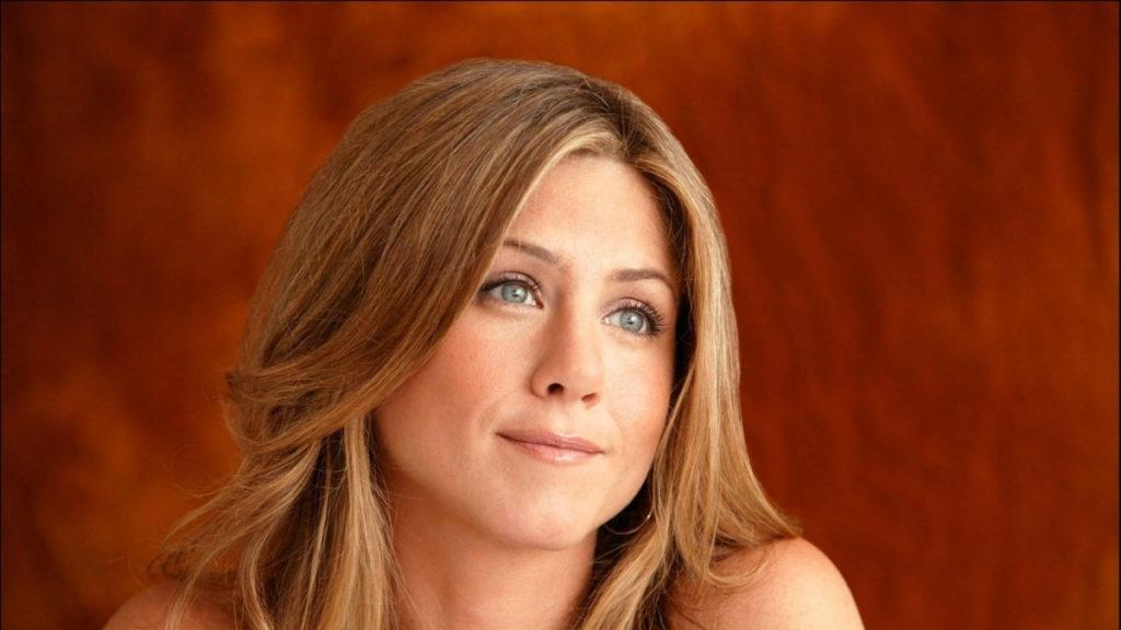 ¿Es cierto que Jennifer Aniston reaccionó con furia cuando le preguntaron por el divorcio de Brad Pitt y Jolie?... ¡Responde el quiz semanal!